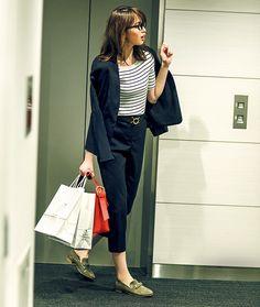 【毎日コーデ】大人マリンで夏っぽく!カジュアル要素を加えたオフィスコーデ | andGIRL [アンドガール] Ol Fashion, Japan Fashion, Office Fashion, Korean Fashion, Fashion Outfits, Business Attire, Business Fashion, Casual Teacher Outfit, Simple Outfits