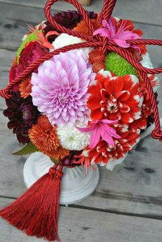 bouquet for kimono Hand Bouquet, Flower Bouquet Wedding, Floral Wedding, Fall Bouquets, Floral Bouquets, Bridesmaid Corsage, Japanese Wedding, Japanese Flowers, Flower Ball