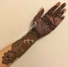 this is Indian Heavy Front Hand Mehndi Design For brides Mehndi Designs Book, Indian Mehndi Designs, Mehndi Designs 2018, Stylish Mehndi Designs, Wedding Mehndi Designs, Mehndi Design Pictures, Beautiful Mehndi Design, Mehndi Designs For Hands, Hena Designs