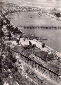 Between 45 and Old Pictures, Old Photos, Historical Images, Budapest Hungary, Arch, The Past, America, Ancestry, Building