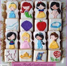 Disney princess cookies so freakin cute Cookies For Kids, Fancy Cookies, Iced Cookies, Cute Cookies, Royal Icing Cookies, Yummy Cookies, Cupcake Cookies, Sugar Cookies, Galletas Decoradas Royal Icing