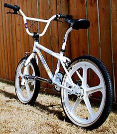 Diamondback Bmx, Vintage Bmx Bikes, Gt Bmx, Bmx Cruiser, Old Scool, Bmx Freestyle, Bmx Bicycle, Custom Bikes, School