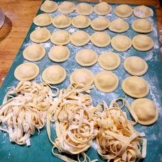 Clases de Cocina Privadas y Personalizadas. Clases de Cocina + Cena. Argentine Cooking Lessons. Clases de Empanadas. Clases de Cocina Argentina. Empanadas, Ethnic Recipes, Food, Dinner, Ethnic Food, Kitchens, Essen, Empanada, Meals