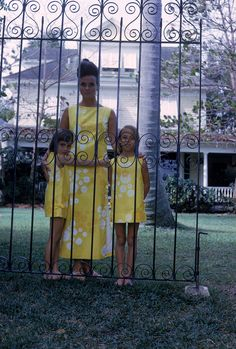 1963 - Lilly with her daughters (photograph by Howell Conant)