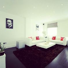 Love the #Godfather print. Very stylish floorspace.        2 Bedroom apartment in #HarleyStreet, #London.