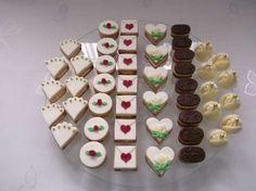 Svatební cukroví , Svatební dorty   Dorty od mamy Christmas Baking, Christmas Cookies, Sweet Bar, Wedding Sweets, Lego Cake, Small Cake, Confectionery, Yummy Cakes, Afternoon Tea