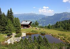 PRETTY. Mayrhofen, one of Tirol's prettiest and liveliest resorts, is framed by the awe-inspiring scenery of the majestic Alps of the Zillertal and commands an excellent location.