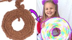 This diy tutorial on how to make a donut-shaped throw pillow using hand knitting. Arm Knitting, Diy Tutorial, Easy Crafts, Crochet Necklace, Kitten, Arms, Throw Pillows, Crafty, Creative