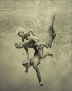 Underwater fun with Mama!  Esther Williams and family.  <3