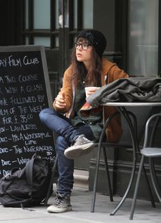 Ellen Page - Super Casual style. Except the large unneeded glasses. I hate those.