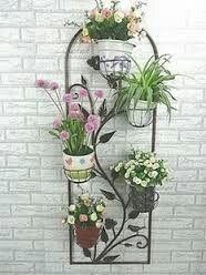Creative Pot Ideas For Your Home Decor! Metal Planters, Hanging Planters, Flower Stands, Flower Boxes, House Plants Decor, Plant Decor, Vertikal Garden, Garden Stand, Metal Garden Art