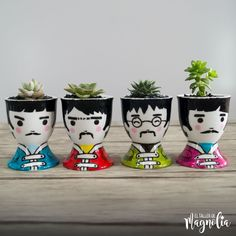 Porcelain Made In China With A Marking Product Plastic Bottle Flowers, Plastic Bottle Crafts, Painted Plant Pots, Painted Flower Pots, Head Planters, Ceramic Planters, Ceramic Vase, Flower Pot People, Pottery Painting Designs