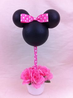 Minnie Mouse Centerpiece by POPCUPZ on Etsy, $20.00    Very doable!