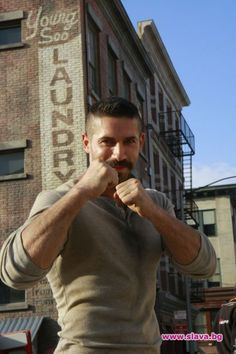 scottadkins photo gallery | Scott Adkins el que está detrás de Boyka yes I love you