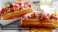 lobster roll recipe - Lobster roll is the one of the typical American Traditional Food. The lobster roll is a sandwich that soaked in butter and on bread hot dog.
