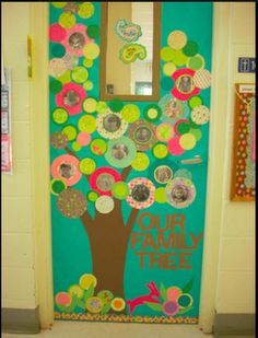 Our Family Tree Classroom Door Decoration Idea. For bird theme? Door Bulletin Boards, Back To School Bulletin Boards, Decoration Creche, Class Decoration, Classroom Design, Classroom Themes, Infant Classroom, Classroom Door Decorations, Classroom Birthday
