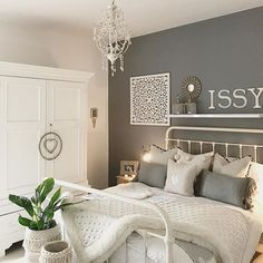 5 Special Hints for a Relaxing Bedroom - Home & Garden interior and Design Club Gray Bedroom, Bedroom Bed, Master Bedroom, Bedroom Inspo Grey, Silver Bedroom, Ikea Bedroom, Bedroom Storage, Style At Home, My New Room