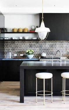 Sunset unfolds its first L.-area Idea House in Manhattan Beach :Interior design by DISC Interiors: LA TImes Modern kitchen style Kitchen And Bath, New Kitchen, Kitchen Dining, Kitchen Decor, Kitchen Furniture, Kitchen Stools, Counter Stools, Furniture Ideas, Bar Stools