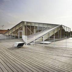 La Médiateque de Proville by Tank Architectes