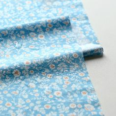 Laminated Fabric Yard : Beach - Flower