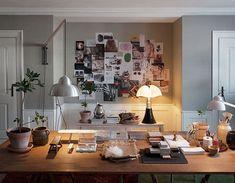 Isle Crawford for The Apartment : lampe Pipistrello Interior Exterior, Home Interior, Interior Design, Interior Stylist, Apartment Interior, Apartment Design, Home Design Decor, House Design, Home Decor