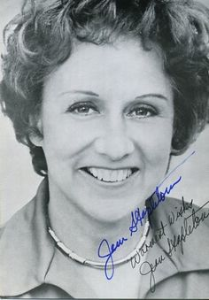 """Jean Stapleton Actress Jean Stapleton, best known for her role as Edith Bunker on """"All In The Family,"""" died on May 31 of natural causes. Family Tv, All In The Family, Old Hollywood Stars, Hollywood Actor, Classic Actresses, Actors & Actresses, Jean Stapleton, Inside The Actors Studio, Norman Lear"""