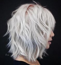60 Best Variations of a Medium Shag Haircut for Your Distinctive Style - Curly Bob Hairstyles Medium Shag Haircuts, Layered Bob Hairstyles, Curly Bob Hairstyles, Curly Hair Styles, Haircut Medium, Haircut Bob, Medium Hairstyles, Bobs For Thin Hair, Wavy Bobs