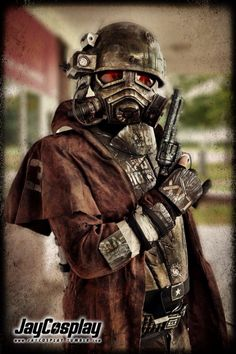 NCR Veteran Ranger by Nanahra. Could make a duster Fallout Art, Fallout New Vegas, Cosplay Outfits, Cosplay Costumes, Top Cosplay, Ncr Ranger, Fallout Cosplay, Cyberpunk Rpg, Post Apocalyptic Costume
