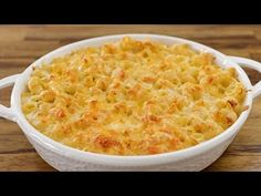 Learn how to make the best homemade mac and cheese. This recipe is super creamy,super cheesy, rich and so delicious! A real comfort food as real macaroni and cheese should be! Homemade Mac And Cheese Recipe Easy, Delicious Macaroni And Cheese Recipe, Mac And Cheese Casserole, Best Macaroni And Cheese, Making Mac And Cheese, Macaroni Cheese Recipes, Creamy Mac And Cheese, Casserole Recipes, Pasta Recipes