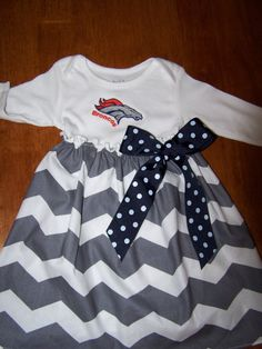 Ohio State University inspired chevron baby by TinasPumpkinPatch Future Daughter, Future Baby, My Little Girl, My Baby Girl, Denver Broncos Baby, Sewing Baby Clothes, Princess Dress Up, Girl Themes