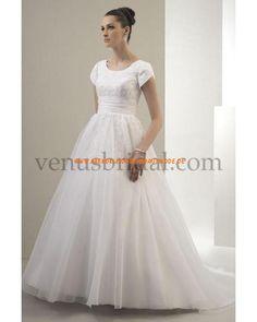 2013 Maßgeschneiderte Brautkleider mit Ärmel aus Satin und Organza mit Schleppe