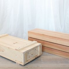 Woodworking For Beginners Tools Diy Storage Crate, Storage Shed Organization, Wood Storage, Storage Bins, Diy Wooden Crate, Wooden Crates, Woodworking Bench Plans, Woodworking Projects, Weapon Storage