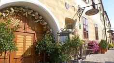 Mooslechners Bürgerhaus by hotelbuergerhaus-rust. Luxury Accommodation, Celebrity Weddings, Rust, Pergola, Outdoor Structures, Boutique, Plants, Outdoor Pergola, Plant