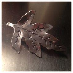 Broche / brooch Silver Rings, Brooch, Jewelry, Jewlery, Jewerly, Brooches, Schmuck, Jewels, Jewelery