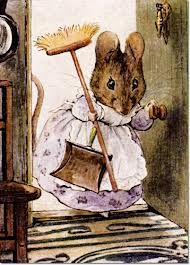Beatrix Potter children's illustration of mouse with dustpan and broom for Two Bad Mice Art And Illustration, Coelho Peter, Beatrix Potter Illustrations, Book Illustrations, Beatrice Potter, Peter Rabbit And Friends, Marjolein Bastin, Motifs Animal, Art Graphique