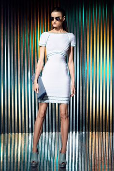 Hervé Léger by Max Azria - Resort 2014 - Look 18 of 41?url=http://www.style.com/slideshows/fashion-shows/resort-2014/herve-leger-by-max-azria/collection/18