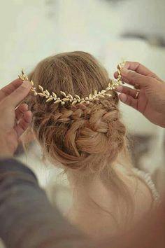 Super cute wedding hair
