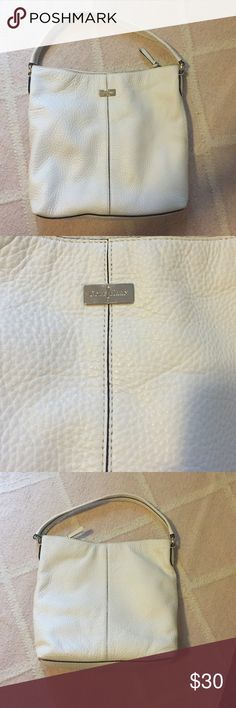 Cole Haan white leather purse White leather Cole Haan purse in great condition. Cole Haan Bags Shoulder Bags
