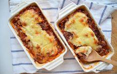 Musaca de cartofi cu carne tocata si sos de rosii reteta simpla | Savori Urbane Lasagna, Yummy Food, Ethnic Recipes, Fine Dining, Delicious Food, Good Food, Lasagne