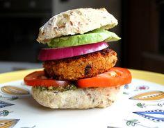 Bytte til vegetar/vegan alternativer. Junk Food, Salmon Burgers, Vegan, Dinner, Healthy, Ethnic Recipes, Green, Dining, Salmon Patties
