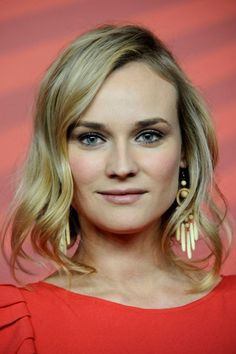 Diane Kruger wows with stunning updo