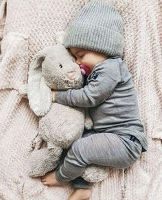 Outstanding tips are readily available on our web pages. Check it out and you will not be sorry you did. naissance part naissance bebe faire part felicitation baby boy clothes girl tips Cute Little Baby, Baby Kind, Little Babies, Baby Baby, Baby Newborn, Baby Sleep, Baby Toys, Foto Baby, Cute Baby Pictures