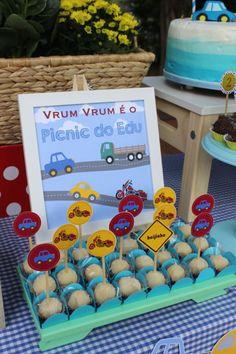 Picnic de Carrinho e Caminhão - Pra Gente Miúda Criações Cars Trucks Birthday Party, Transportation Birthday, Birthday Party Themes, Picnic Birthday, Car Birthday, Car Themes, Diy Party, Birthdays, Lucca