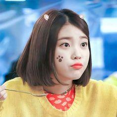 This domain may be for sale! Cute Korean, Korean Girl, Asian Girl, Iu Short Hair, Short Hair Styles, Korean Actresses, Korean Actors, Korean Celebrities, Celebs