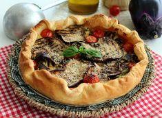 Ricetta salva cena della Torta salata con verdure grigliate: melanzane, zucchine, pomodori, formaggio, prosciutto. Ricetta facile e veloce fredda o calda.