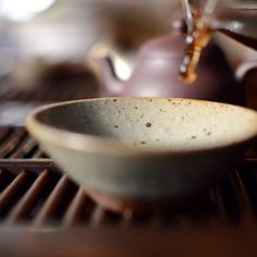 white2tea:  Caught a droplet of #tea before it hit the cup #puerh #liuheping #teaware #handmade #teacup #pourn #puerhtea #puertea #puer #tea #droplet #ceramic #laocha #7542 #yixing #gongfu #smooth #teadrip #teadrop #laocha #steepster #steepstergram #puerhaddict #tealife #white2tea