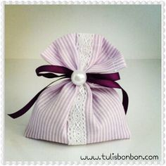Kokulu Lavanta Kesesi Lavender Bags, Lavender Sachets, Wedding Candy, Wedding Gifts, Sewing Projects, Projects To Try, Scented Sachets, Small Gift Bags, Rustic Wedding Favors