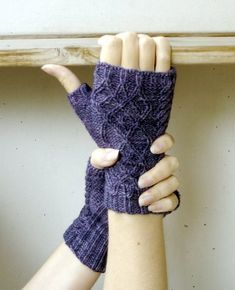 Ravelry: Oddity pattern by Mia Heikkinen Fingerless Gloves Knitted, Knit Mittens, Wrist Warmers, Hand Warmers, Knitting Machine Patterns, Mittens Pattern, Knitting Accessories, Easy Knitting, Knits