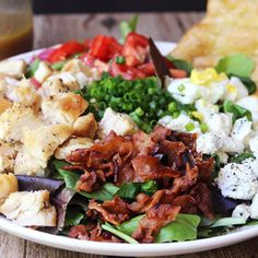 Cosi Cobb Salad with Sherry Shallot Vinaigrette (Copycat) Grilled Chicken Salad, Chicken Bacon, Main Dish Salads, Main Dishes, Salada Cobb, Frango Bacon, Chicken Gorgonzola, Tomato Vine, Mac Recipe