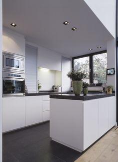 verlichting keuken ? http://www.conelighting.com/nl/particulier/projecten/cat/5/woning-16
